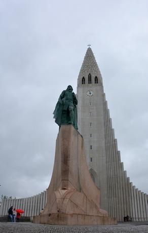 Hallgrimskirken med Leif den lykkelige, Reykjavik