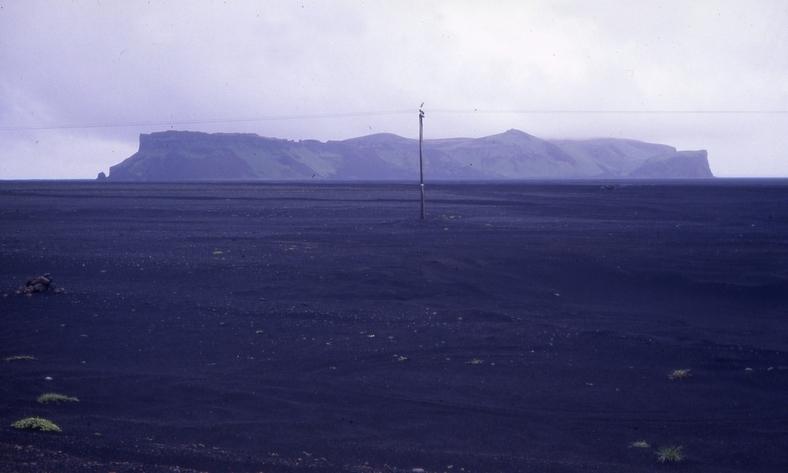 Mod Dyholaey, Islands sydligste punkt, 1988