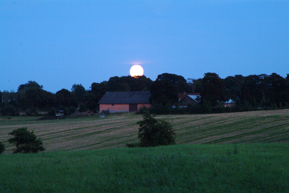 Måneskin i Paderup