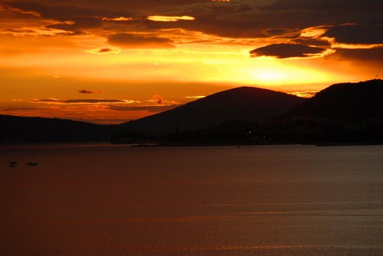 Solnedgang over Split