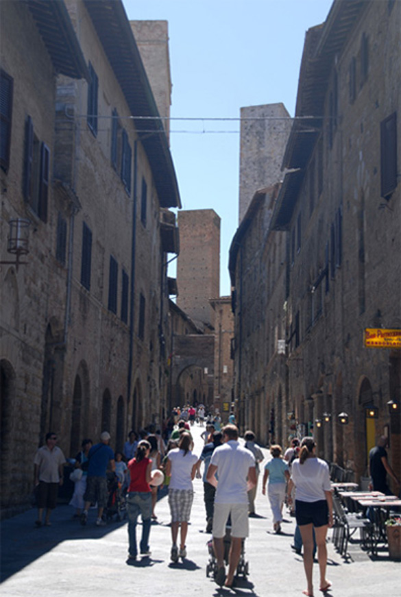 "SAN GIMIGNANO, ""5TH AVENUE"""