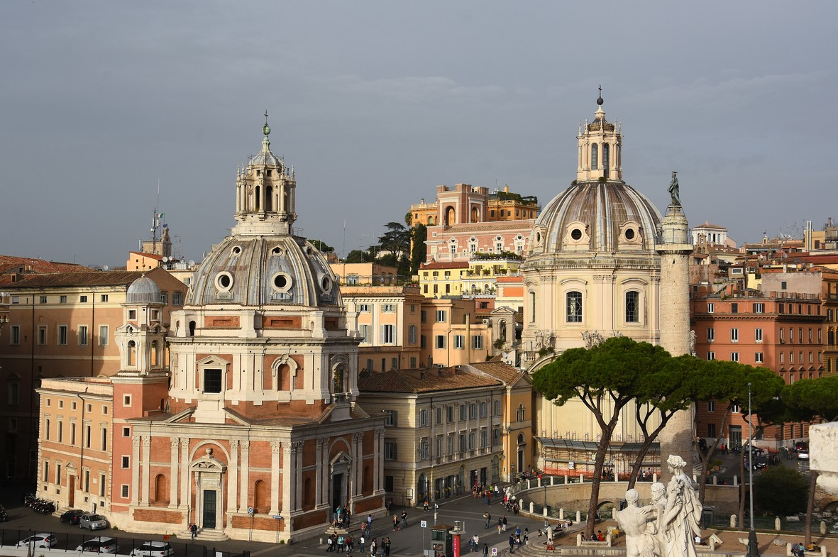 Santa Maria di Loreto og trajansøjlen, Piazza Venezia