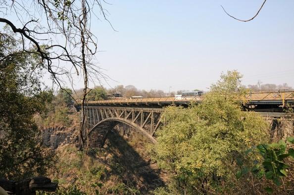 Grænsebroen mellem Zambia og Zimbabwe i Victoria Falls