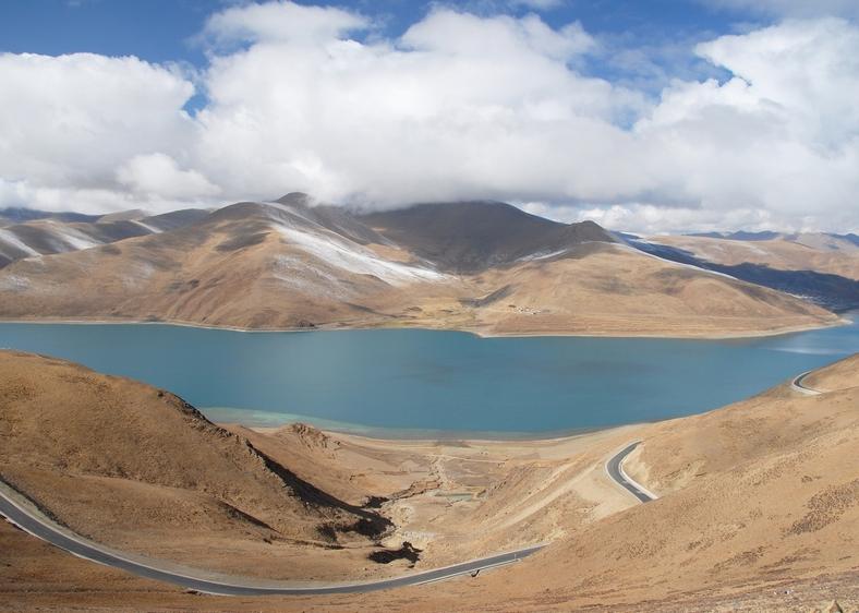 Yamdrok søen (44000 m)