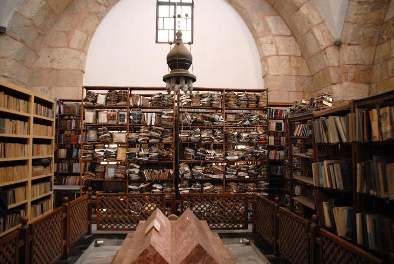 Madrassa med bibliotek