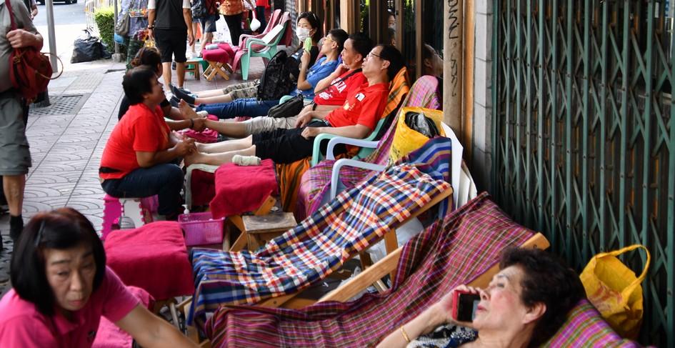 Dette billede har en tom ALT-egenskab (billedbeskrivelse). Filnavnet er så-er-der-massage-bangkok.jpg